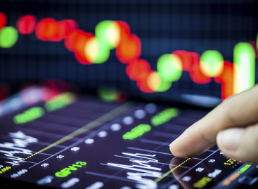 How to trade the high volatile market conditions