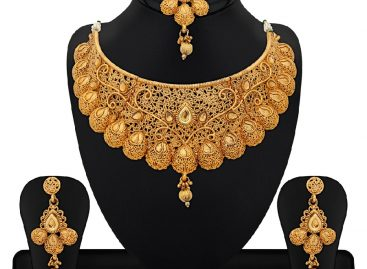 How To Pick Stunning Necklace Set At Online