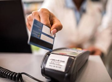 Discover the many benefits of using a student credit card